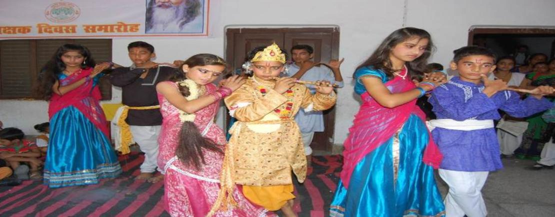 Junior_Group_on_Krishna _anamashtmi.jpg